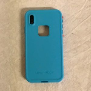 iPhone XS Max Lifeproof case